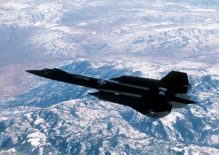 Первоначально самолетSR-71 Blackbird активно использовался военными для выполнения разведывательных полетов над территорией Советского Союза и его союзников