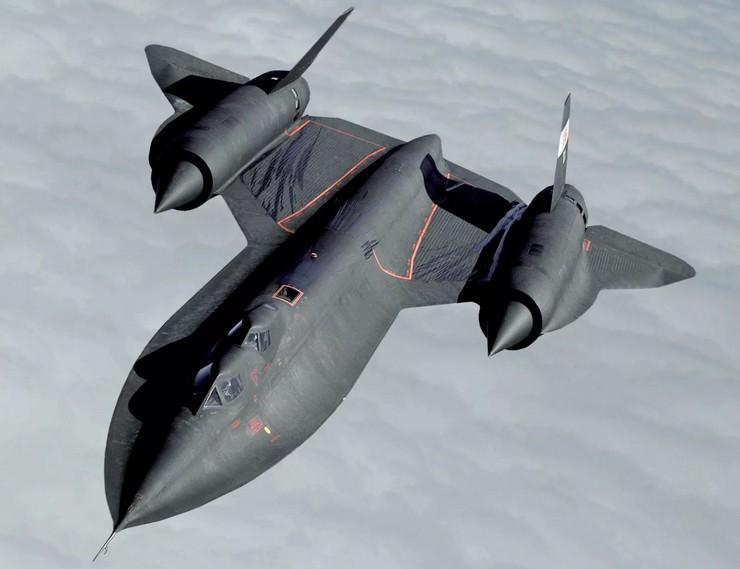 У YF-12 максимальная скорость может быть 4100,4 км/ч