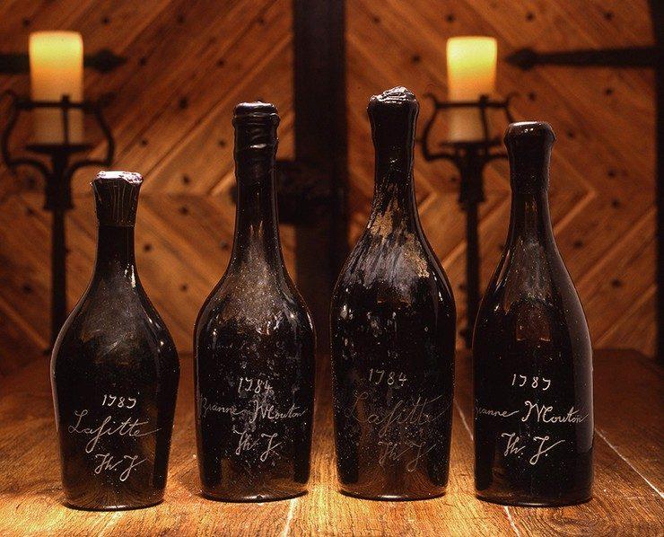 Вино Chateau Lafite с инициалами «Th.J.»