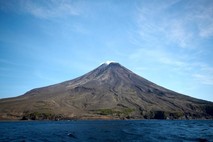 Вулкан Сарычева