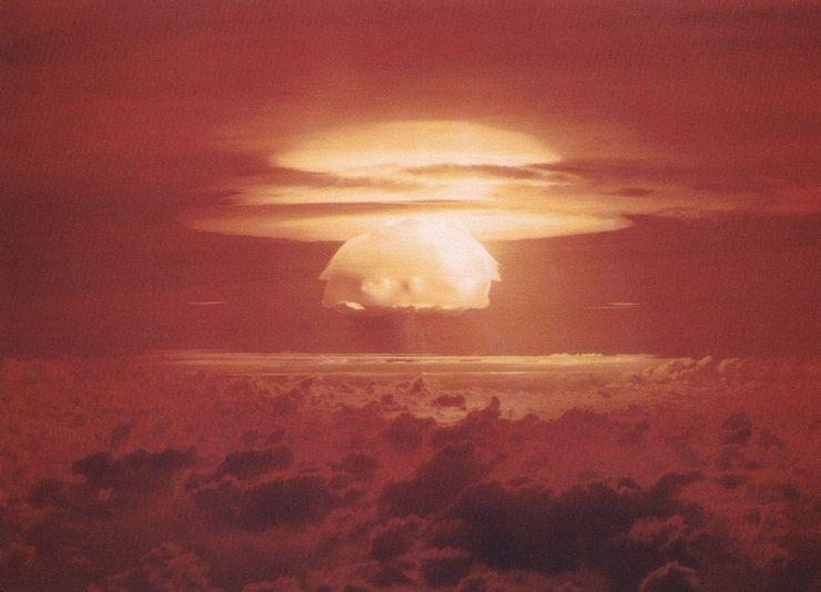 Взрыв атомной бомбы Castle Bravo