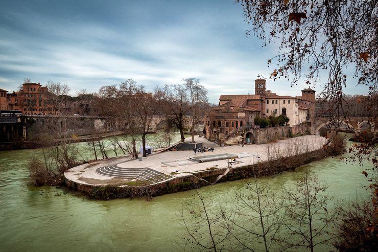 Тиберина, Италия